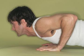 כאבי גב תחתון: איך תטפלו בהם בבית